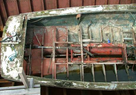 Found hull: restoring a wrecked boat found in a skip