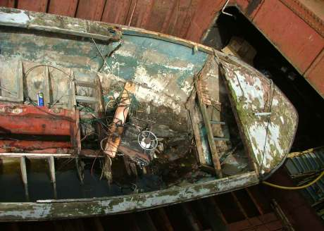 Found hull: restoring a boat found in a skip